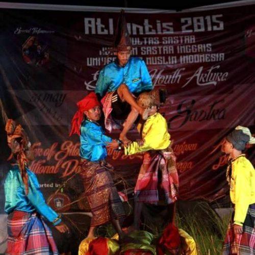 """Mahasiswa Sastra Inggris UMI Angk. 2015 Pentaskan 'Sitobo Lalang Lipa"""""""