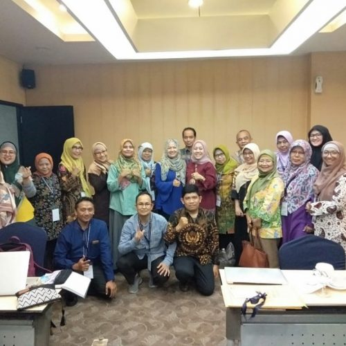 WD 2 FS UMI dan Kaprodi PBSI FS UMI Ikuti Workshop Publikasi Internasional dan Jajaki Kerjasama
